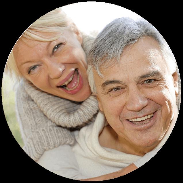 Ζευγάρι ηλικιωμένων έλυσε τα πρόβλημα ακοής με τα ακουστικά βαρηκοΐας της Cosmoear